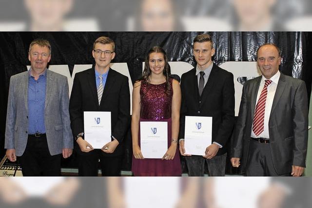 43 Real- und 27 Werkrealschüler der Wilhelm-August-Lay-Schule feiern ihren Abschluss