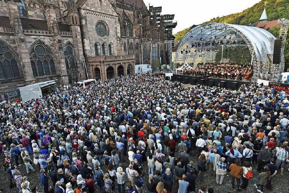 Viele kamen zum Abschied in Moll (Foto: Michael Bamberger)