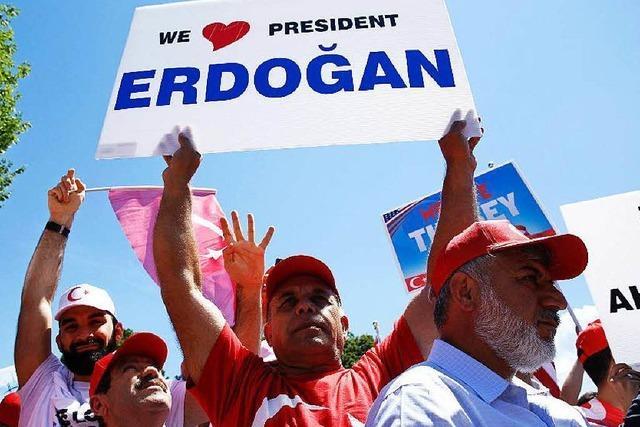 Krisenstimmung nach Putschversuch: Wie weiter mit Erdogan?
