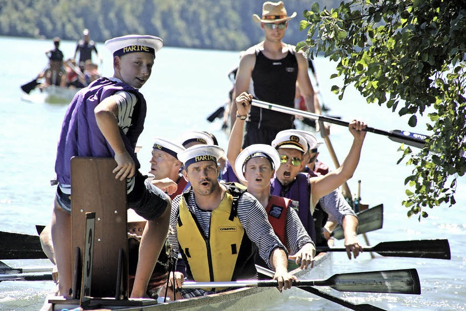"""Das drittplatzierte Team """"Das Boot"""" mit Schwörstädter Jungs bestach mit tollem Outfit. (Foto: Hildegard Siebold)"""