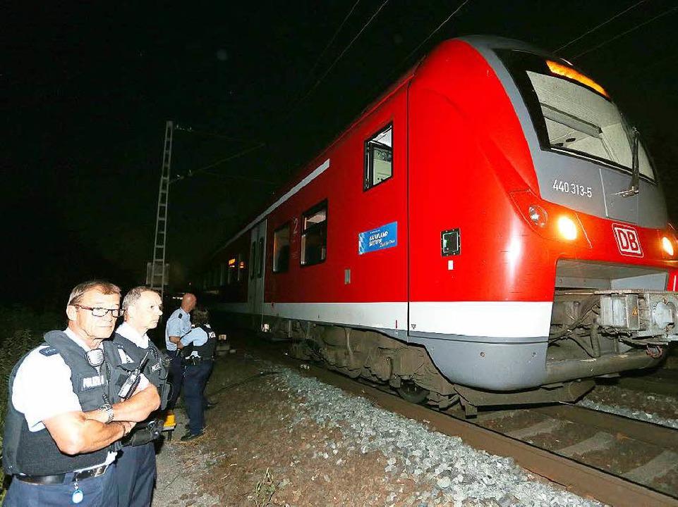 In diesem Zug hat sich die Bluttat ereignet.  | Foto: dpa
