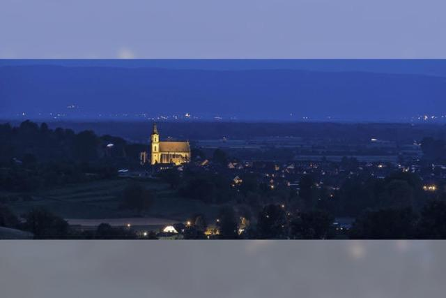St. Bartholomäus – Leuchtpunkt hoch über der Stadt