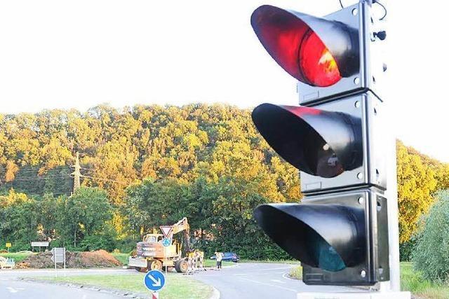 Vier Ampeln regeln den B317-Kreisel-Verkehr