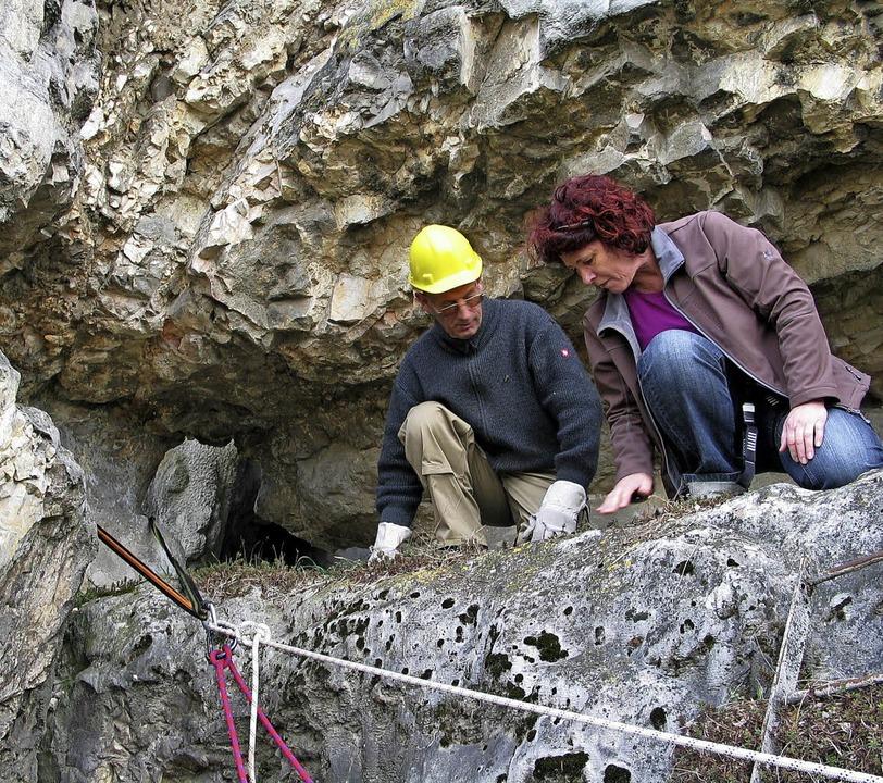 Am Jaspis-Bergwerk in Kleinkems sicher...der  Bergwacht das In-Ordnung-Halten.   | Foto: Schütz
