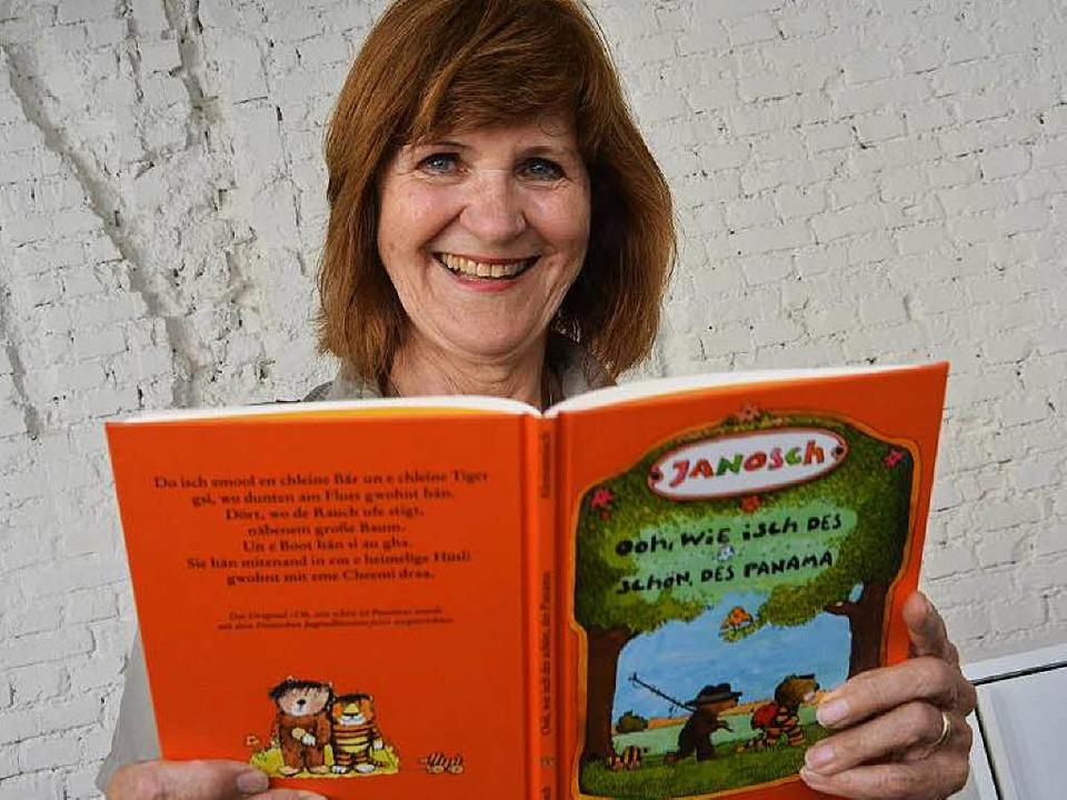 Carola Horstmann hat bei der Übersetzu...ische Wörter in den Text geschmuggelt.  | Foto: Max Schuler