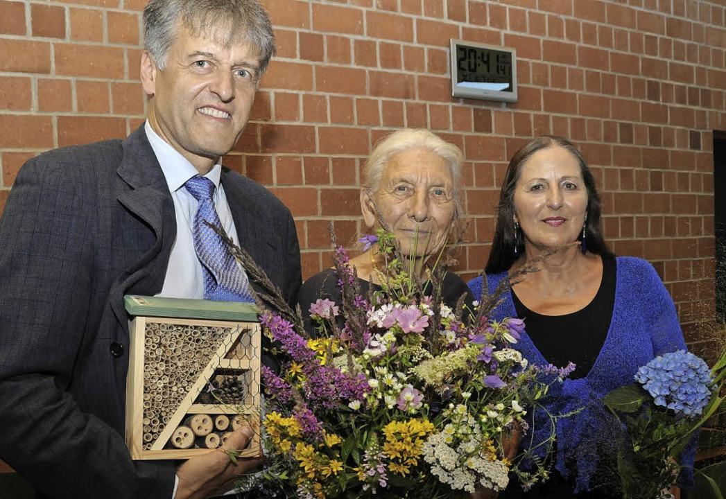 Premiere und Abschied: Bürgermeister G...kerin Catherine Pfeiffer (von links).   | Foto: Robert Bergmann