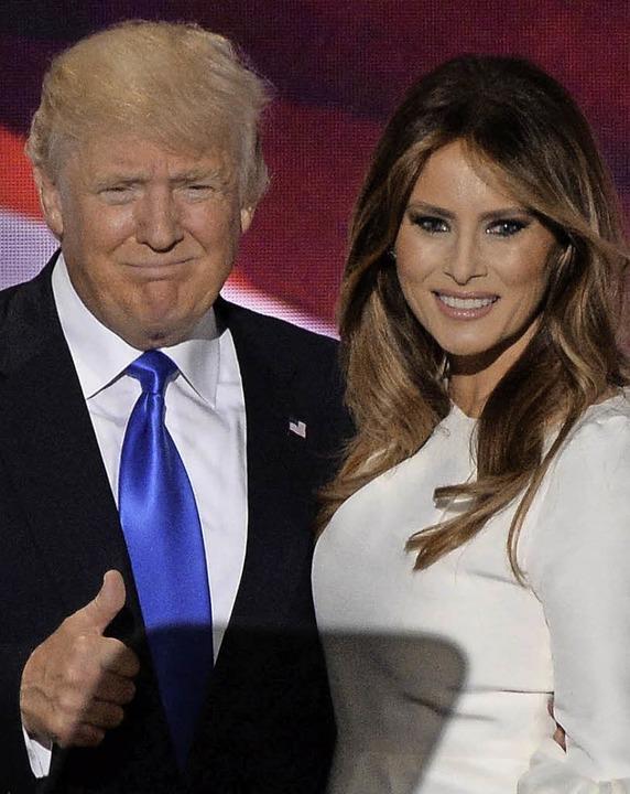 Trump mit der vierten Ehefrau Melania   | Foto: dpa (4)/AFP
