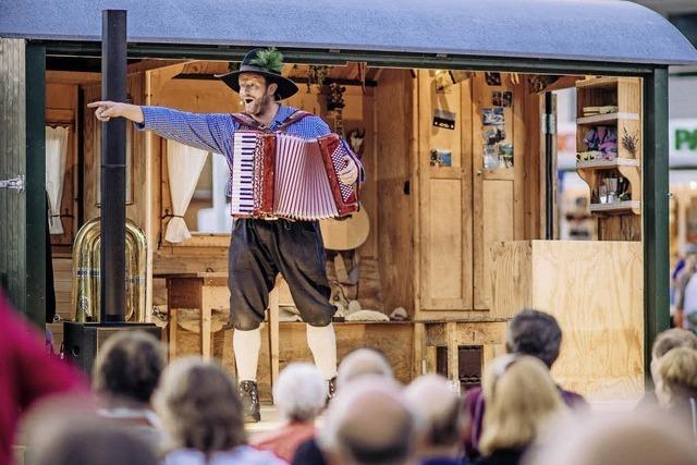 Kabarettist und Schauspieler Martin Wangler im Klostergarten