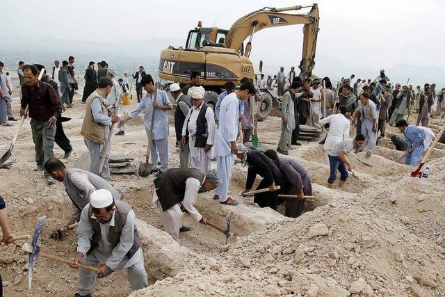 Entsetzen nach IS-Anschlag mit 80 Toten in Kabul