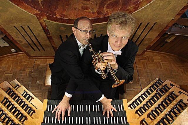 Bernhard Kratzer (Trompete) und Paul Theis (Orgel) in der Wallfahrtskirche St. Landelin