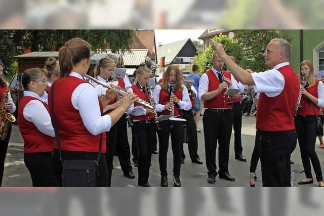 Gastkapellen sorgen für Musik und Stimmung in Dittishausen