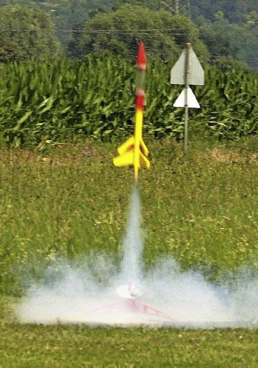 Die Rakete der Merian-Schule startet  | Foto: privat