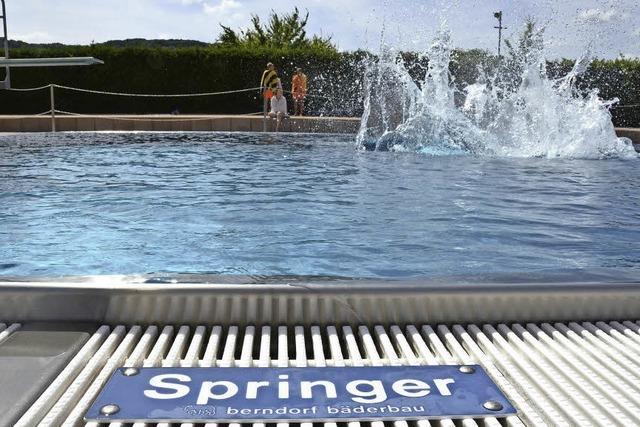 Junge Männer sorgen für Unruhe im Lörracher Parkschwimmbad