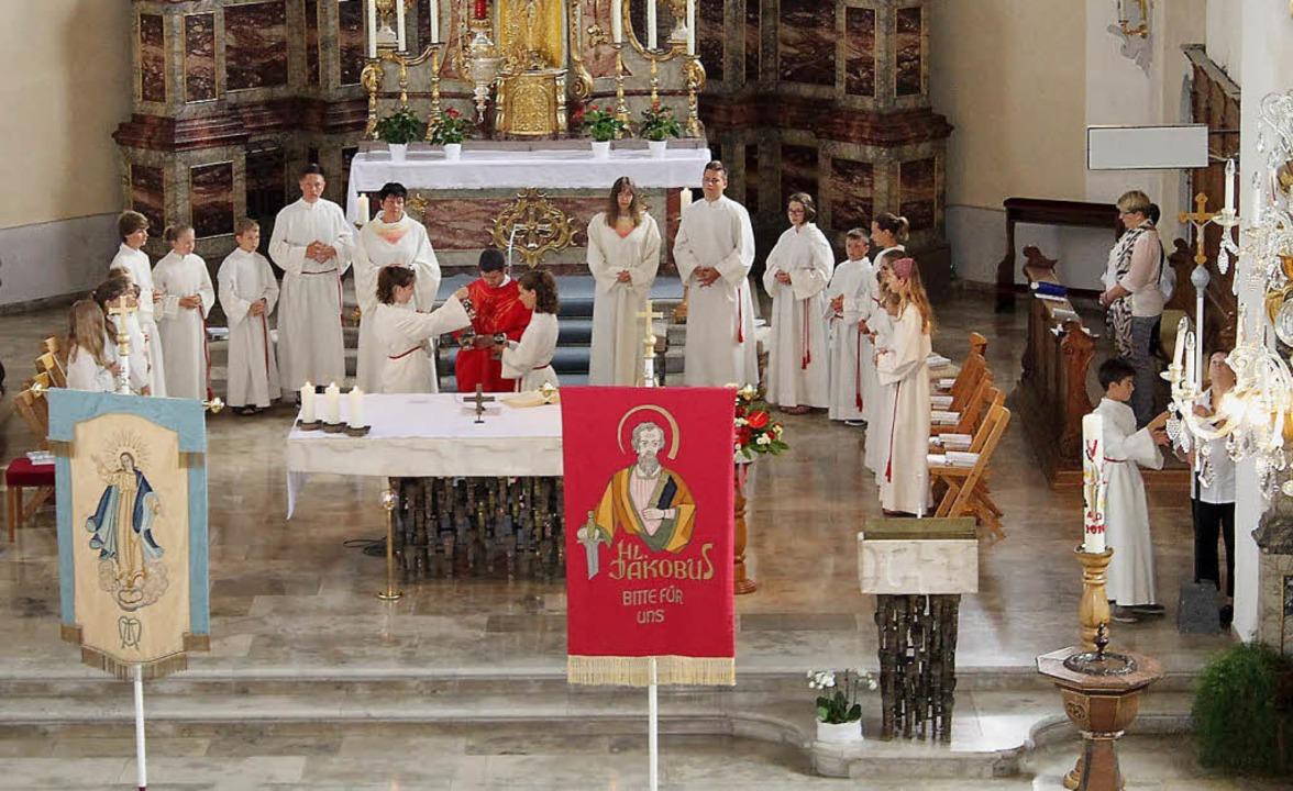 Viele Gläubige aus Grafenhausen und de...zinium zu Ehren des Heiligen Jakobus.     Foto: Adelbert Mutz