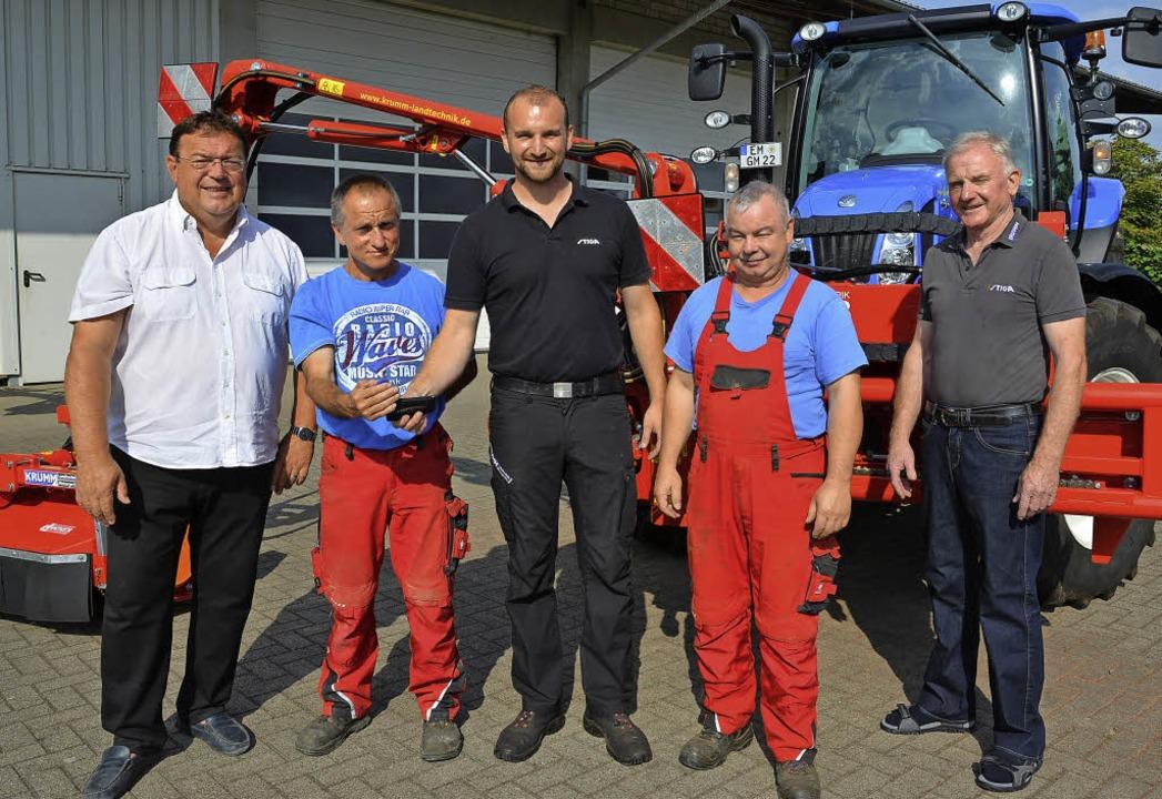 Freuten sich über die Schlüsselübergab...mm, Fahrer Bernd Ehret und Willi Krumm  | Foto: Benedikt Sommer
