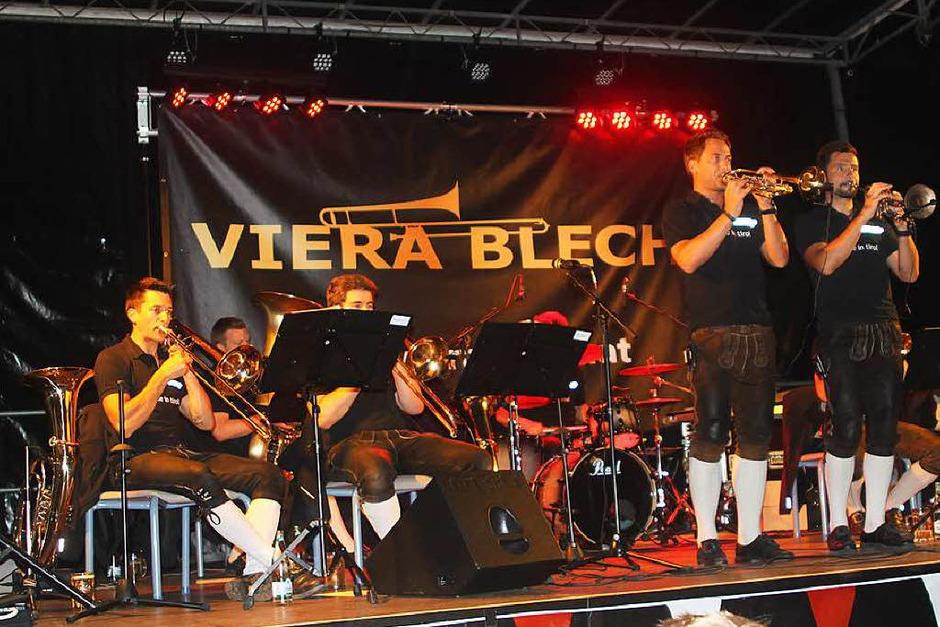 Begnadete Musiker und Tiroler Spaßmacher: Viera Blech am Samstagabend. (Foto: Birgit Rüde)