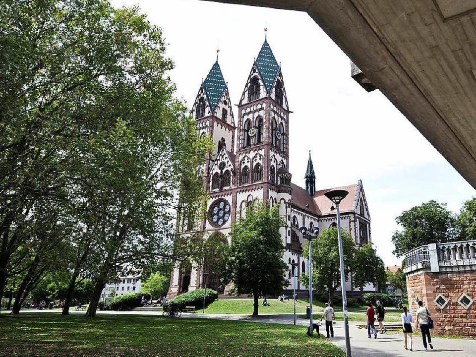 Die Polizei sucht Zeugen eines Streits auf dem Stühlinger Kirchplatz.  | Foto: Thomas Kunz