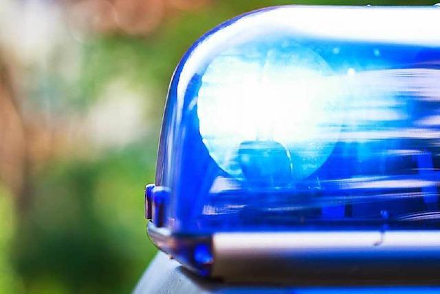 46-Jähriger vor einer Bar niedergeschlagen – ein Täter gefasst, einer flüchtig