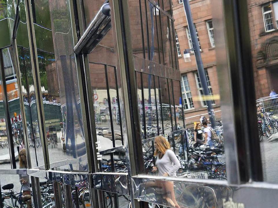 So sah es früher aus: Die Seitentür wa...orne geneigt und darum ständig defekt.    Foto: Michael Bamberger