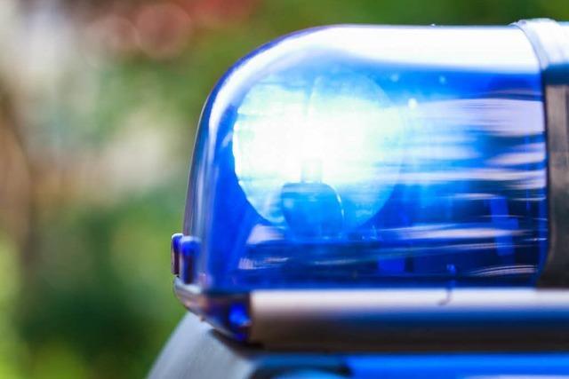 Zwei Männer locken 18-Jährigen mit Drogen und berauben ihn
