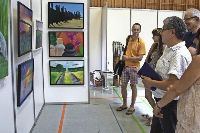 Internationale Kunstausstellung und Kunsthandwerkermarkt mit guter Resonanz