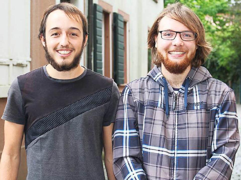 Marius Kast (links) und Lorenzo Oschwa... ihren Erfolg beim 24-Hour Film Race.   | Foto: Anja Bertsch