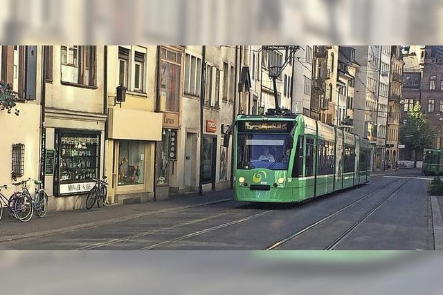 Trams fahren wieder durch Basler Innenstadt
