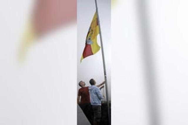 Badner-Flagge ziert Bärenfels