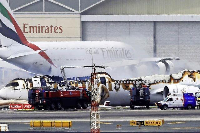 Boeing brennt nach Landung in Dubai aus