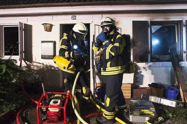 Starke Rauchentwicklung bei Gebäudebrand in Müllheim