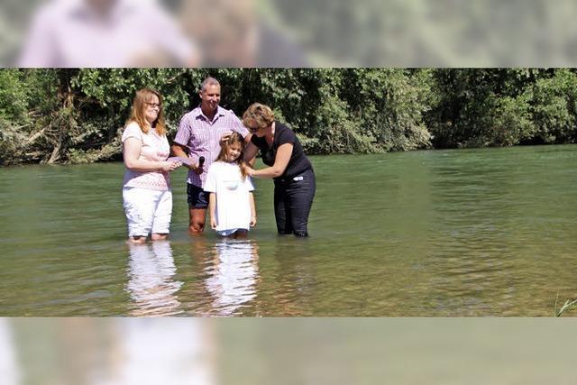 Fünf Taufen am neuen Rheinufer