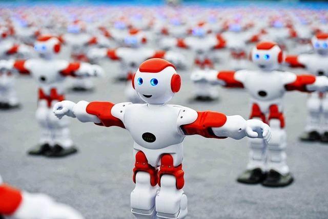 Video: Hier stellen 1007 tanzende Roboter einen Weltrekord auf
