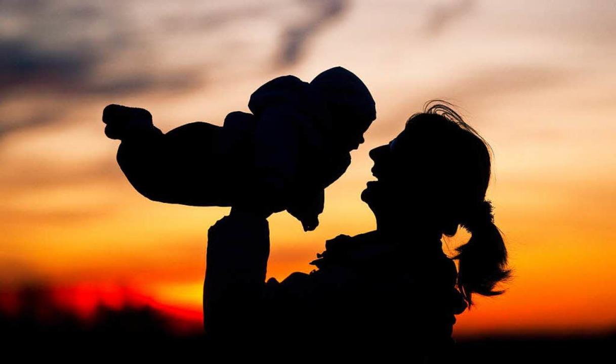 Die Geburt eines Kindes bringt  jede F...estellung soll die Babylotsin leisten.  | Foto: dpa