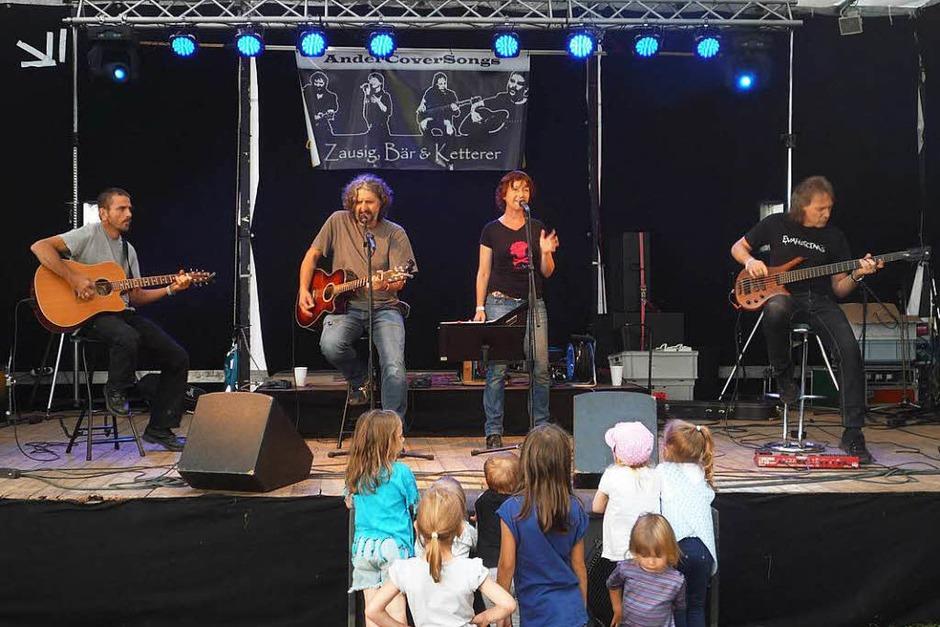 Die Bonndorfer Akustik-Combo Zausig Bär & Ketterer begeisterte die Querbeat-Besucher mit Songs von Folk bis Rock. (Foto: Daniela Rüde)