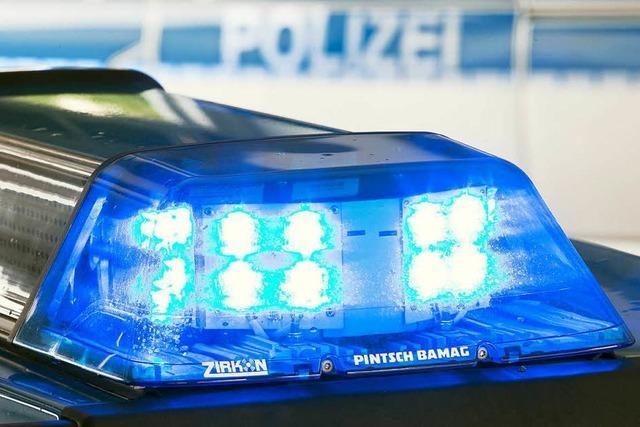 Betrunkener Autofahrer flüchtet vor der Polizei