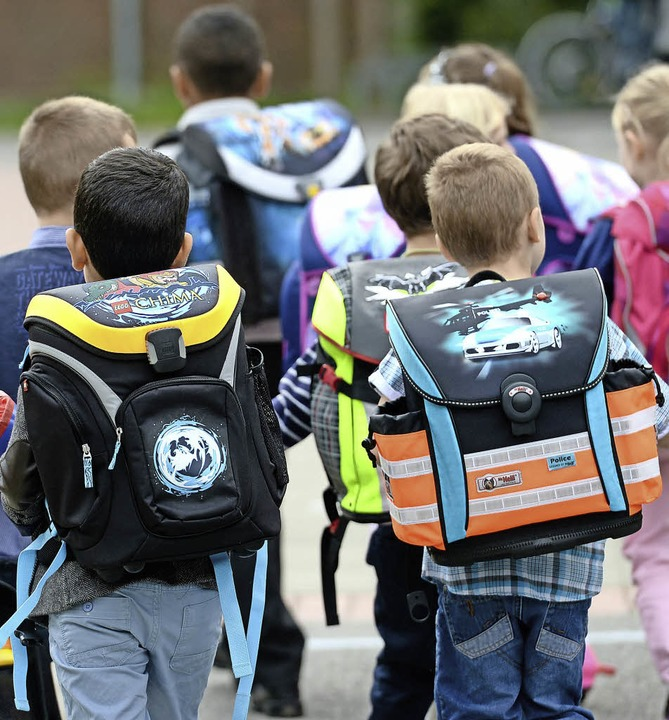 Im Aargau hat die Schule  wieder begonnen.   | Foto: Peter Steffen (dpa)
