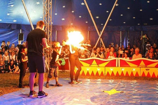 Von Akrobaten bis Feuerspucker
