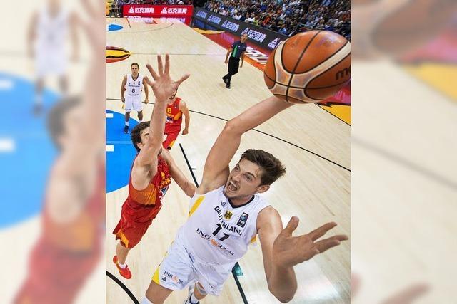 Basketballer schlagen Estland mit Pleiß und Mühe