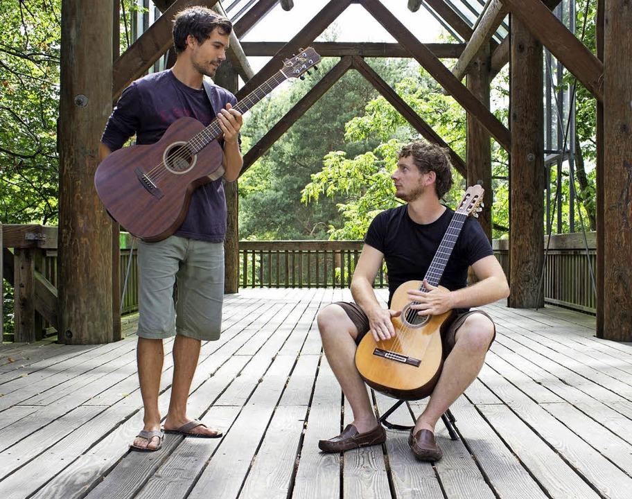 Die Musiker Benedikt Grundberger und F...chen sich auf eine Reise ins Ungewisse  | Foto: Guilherme Marques