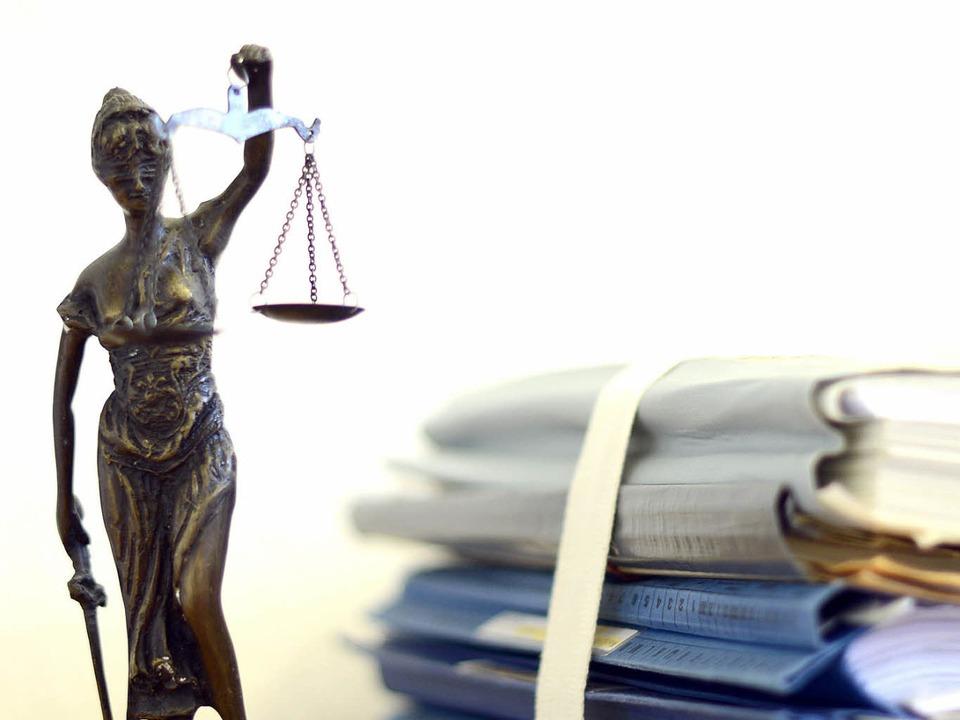 Wegen Totschlags wurde ein 21-Jähriger in Offenburg verurteilt.  | Foto: dpa