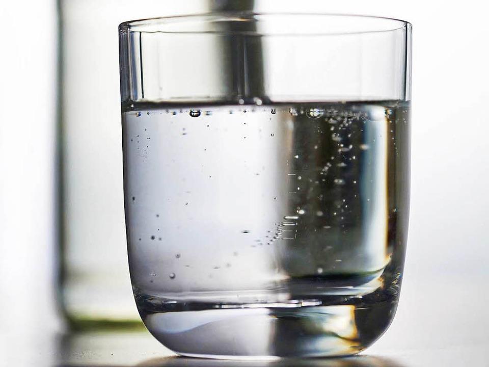 Mineralwasser der Markgräfler Mineralquelle wird zurückgerufen.   | Foto: DPA