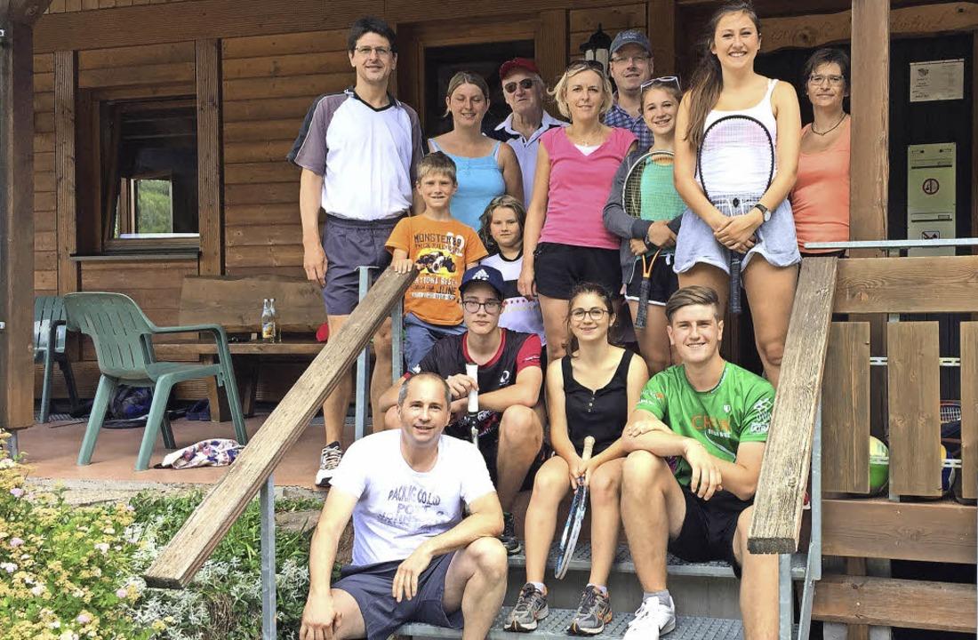 Die Teilnehmer des Schleifchenturniers... Turnier für die jüngsten Mitglieder.   | Foto: BZ