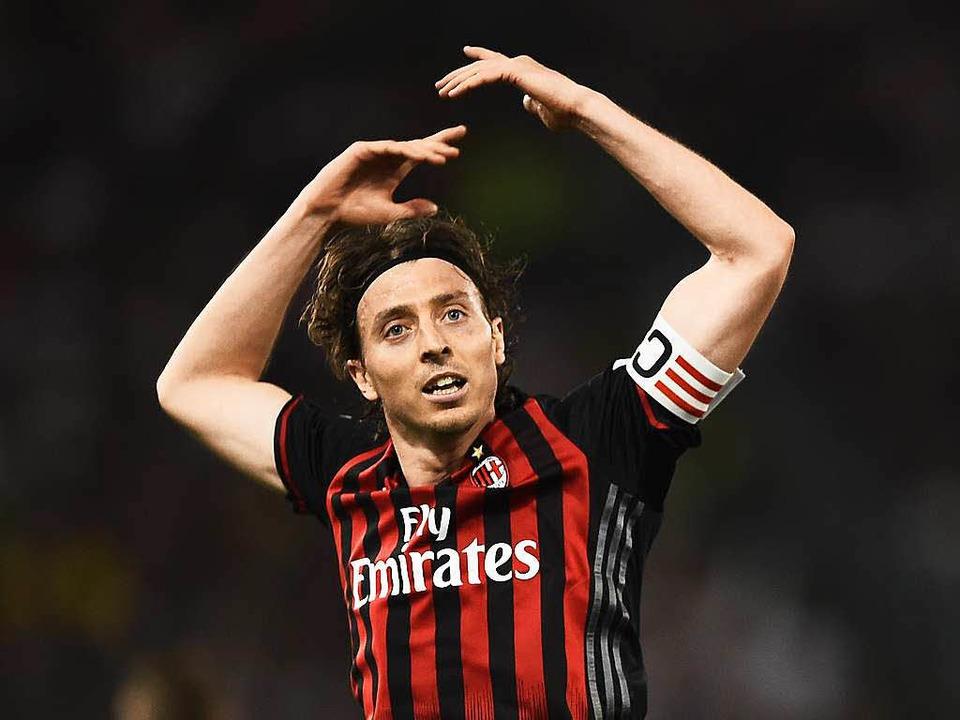 AC-Kapitän Riccardo Montolivo hat seit...fest im Blick. Er ist Fan des Vereins.    Foto: AFP
