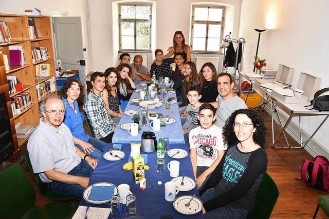 Nachfahren der jüdischen Familien Kleefeld und Uffenheimer besuchten das Blaue Haus