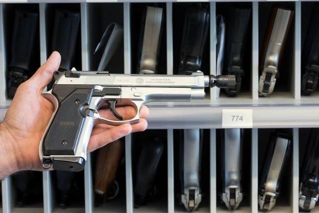 Immer mehr Menschen beantragen Kleinen Waffenschein