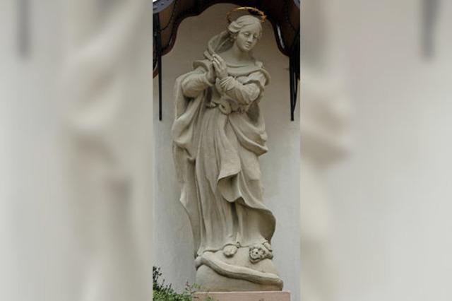 Seit 1727 wacht die Marienstatue beim Fridolinsmünster über die Stadt