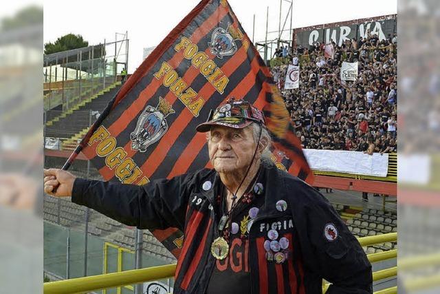 Nonno Ciccio - der wohl älteste Fußball-Fanatiker Italiens