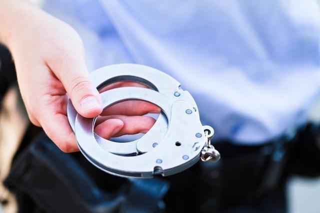 Nach Raub im Colombipark: Polizei nimmt Tatverdächtige fest