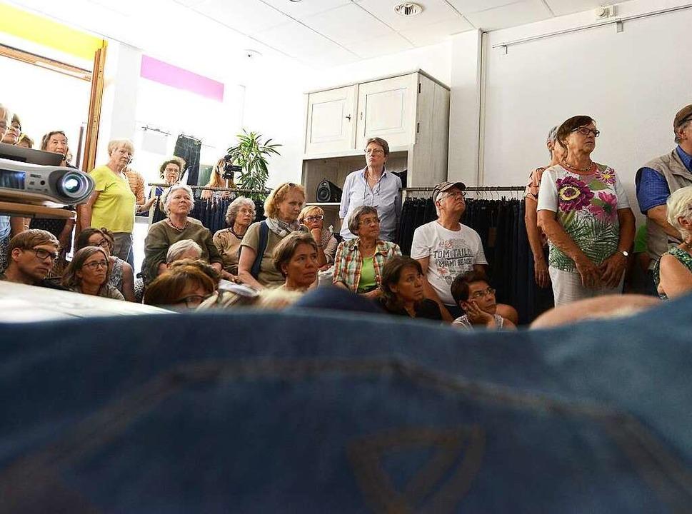 Aufmerksame Teilnehmerinnen und Teilnehmer der BZ-Ferienaktion.  | Foto: Rita Eggstein