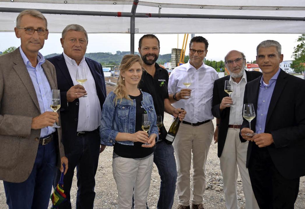 Gemeinsam beim Wein: CDU-Bundestagsabg...CDU-Landtagsabgeordneter Patrick Rapp   | Foto: Michael Behrendt